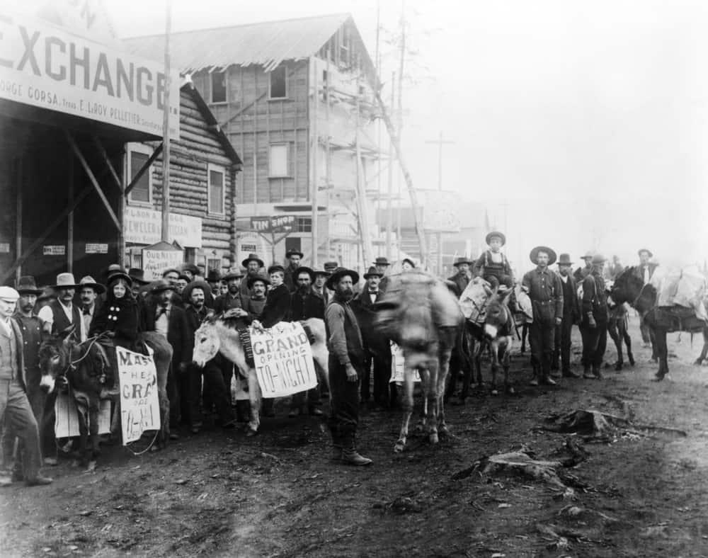 Shutterstock.com/Everett Historical