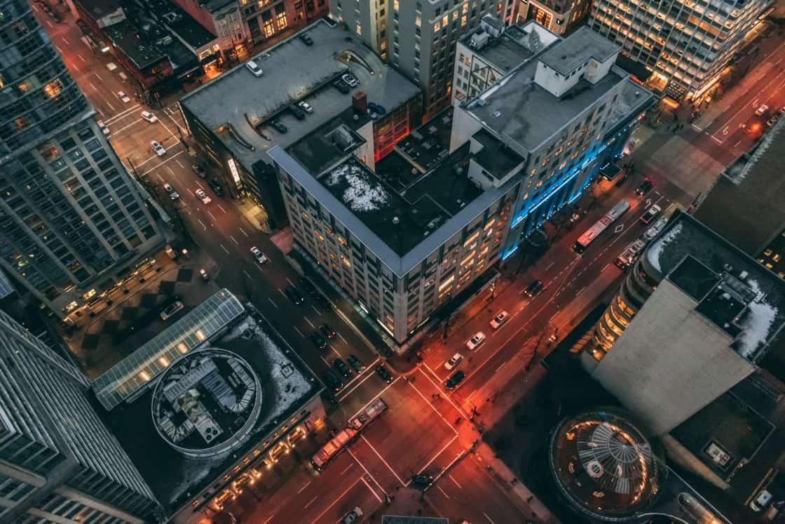 Vancouver bei Nacht aus der Vogelperspektive