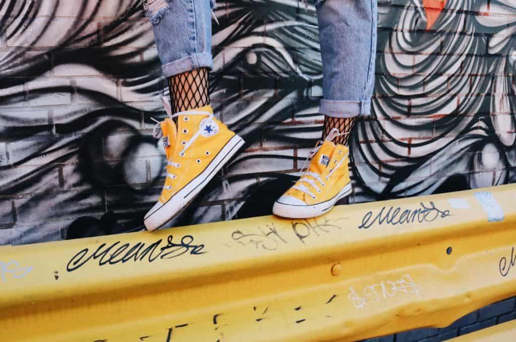 Gelbe Converse