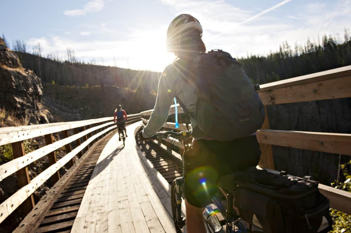 Fahrradfahrer auf dem Kettle Valley Railtrail