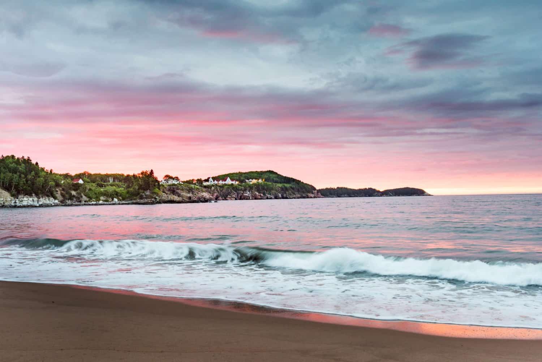 Küste von Cape Breton bei Sonnenuntergang