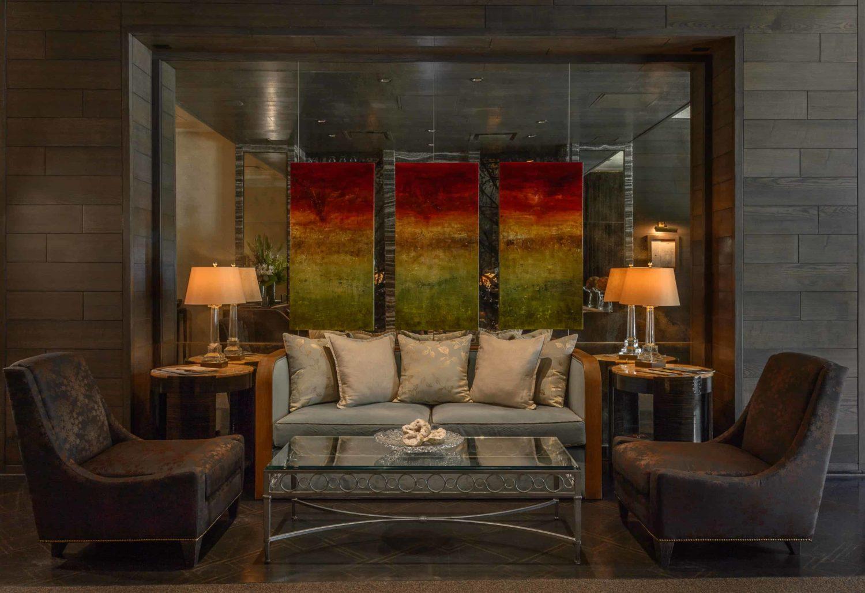 Lobby des The Loden in Vancouver, Kanada mit gemütlicher Couch
