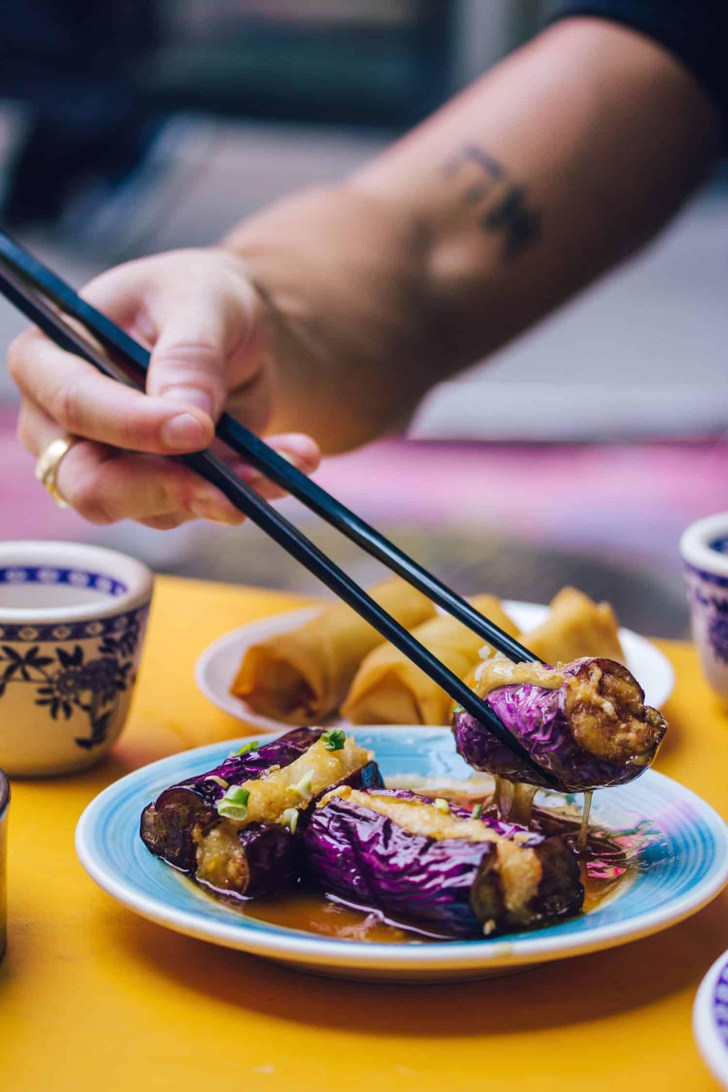 chinesisch Essen mit Stäbchen in Vancouver, Kanada