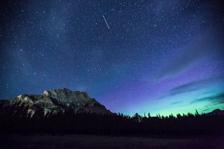 Nordlichter, Polarlichter, Aurora Borealis in der Nähe des Banff National Park, Alberta, Kanada (Canada)