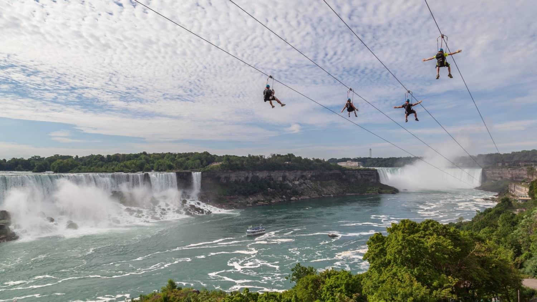 Ziplineing an den Niagarafällen
