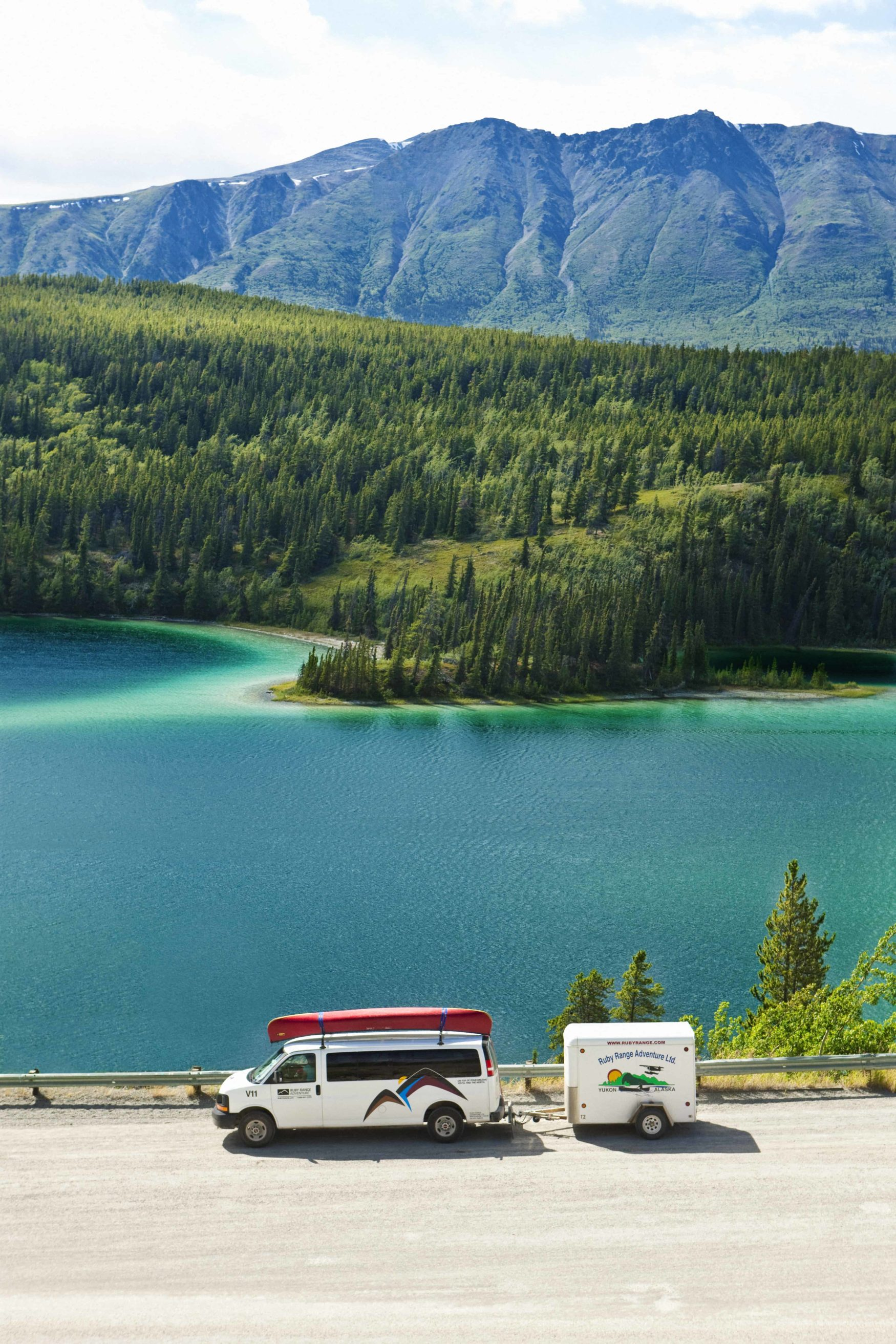 Van auf dem Alaska Highway