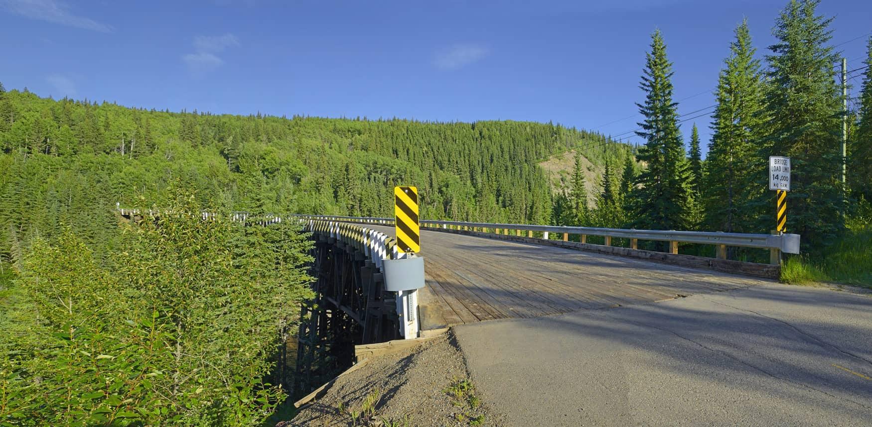 Historische Kiskatinaw-Kurvenbrücke auf dem Alaska Highway in British Columbia, Kanada