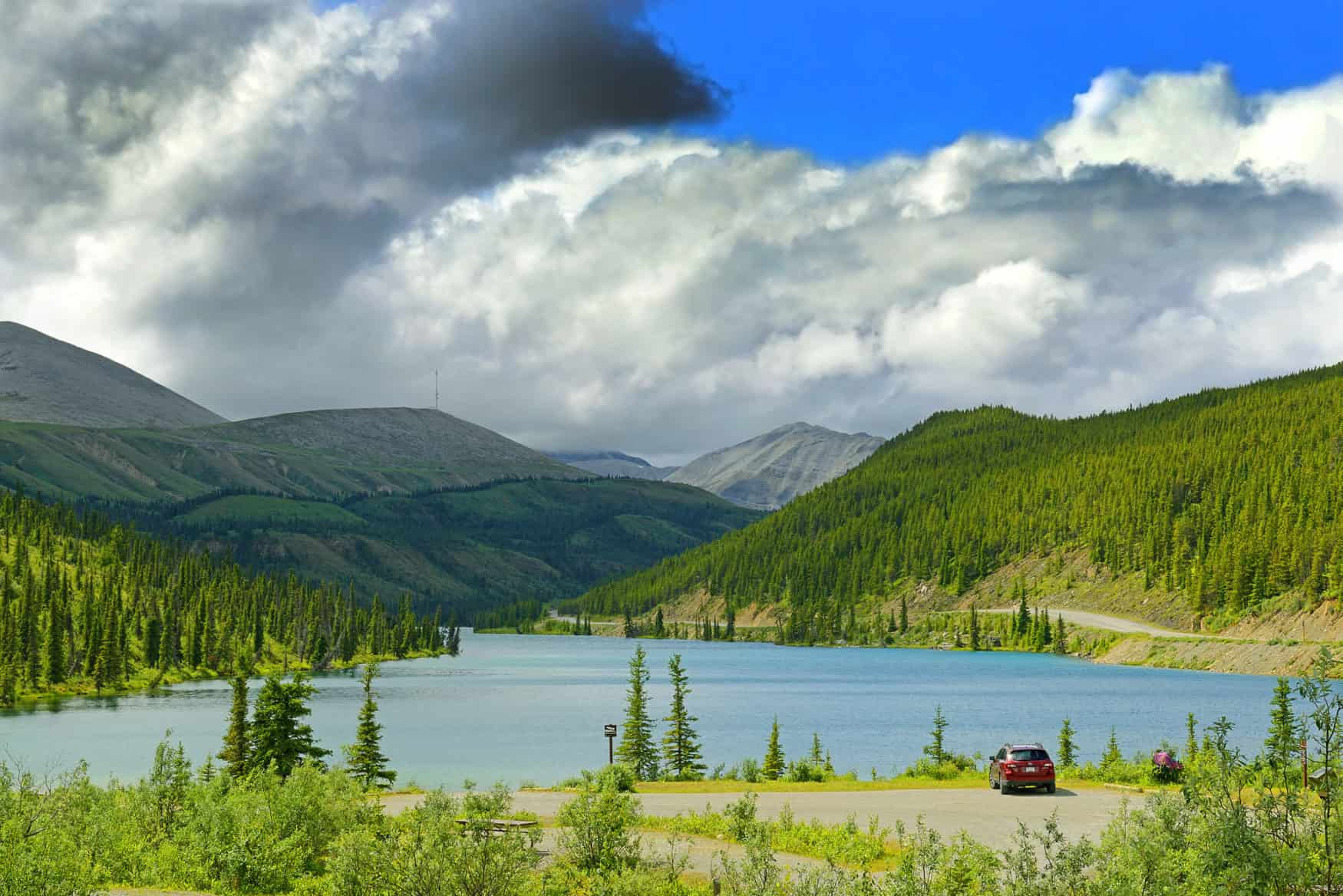 Summit Lake, Stone Mountain Provincial Park in British Columbia am Alaska Highway, Kanada