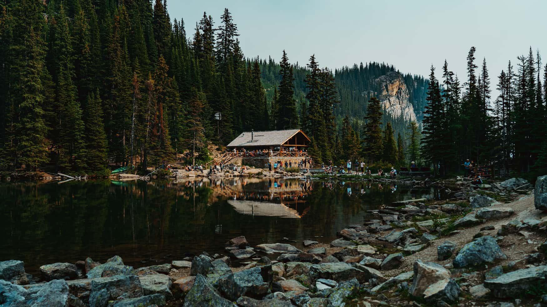 Der Wanderweg zum Lake Agnes Tea House