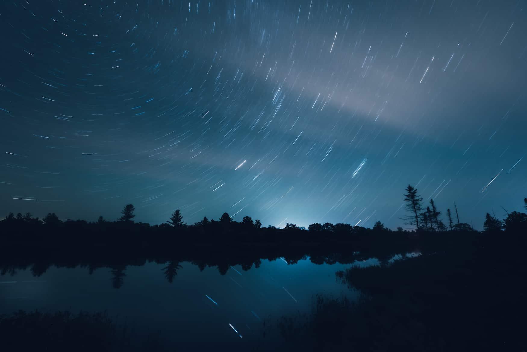 Star Trails im Dark Sky Reserve Torrance Barrens in Muskoka